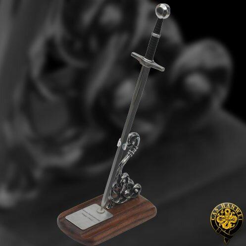 Additional photos: Hanwei Mini German Hand-and-a-Half Sword