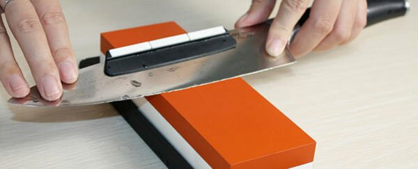 Knife sharpening guide for whetstones Taidea